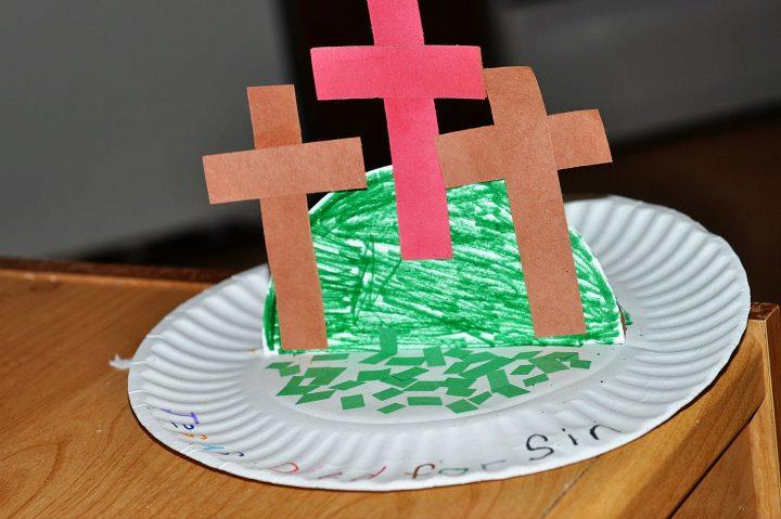 أعمال فنية للصليب بمناسبة الصليب