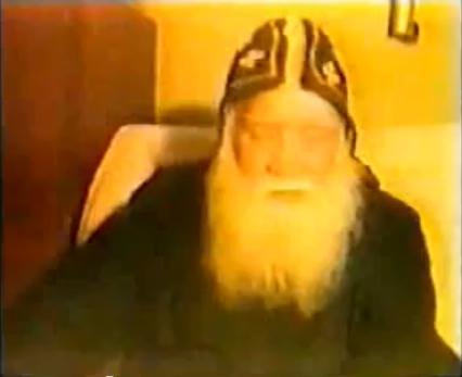 بالفيديو : ابونا اندراوس الصموئيلى يروى ظهورات العدرا مريم ليه و شاهد قالت له ايه ...